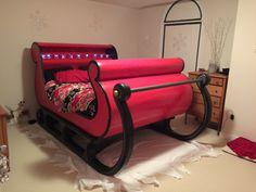 Santa sleigh bed