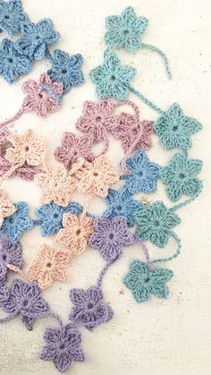 ingthings: Hortensia (zelfmakertje because it is winter) Crochet Flower Patterns, Crochet Flowers, Love Crochet, Knit Crochet, Crochet Garland, Crochet World, Fabric Covered, Crochet Projects, Crochet Earrings