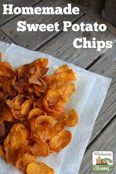 Homemade Sweet Potato Chips - fried in coconut oil Sweet Potato Chips Fried, Homemade Sweet Potato Chips, Detox Recipes, Soup Recipes, Snack Recipes, Potato Recipes, Quick Healthy Meals, Healthy Snacks, Healthy Eating