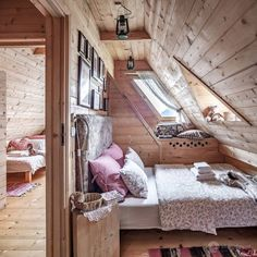 decoration-chalet-interior-guest-room-paneling-wood - Home & DIY