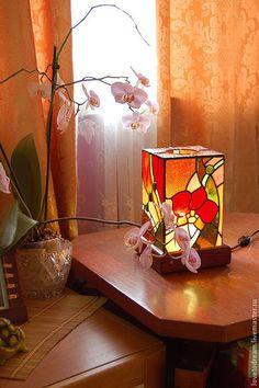 """Купить Светильник """"Орхидея"""" - Витраж Тиффани, витражный светильник, светильник, цветное стекло, паяный витраж"""