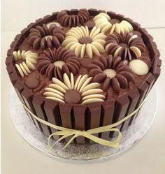 Chocolate Flowers Kit Kat Cake