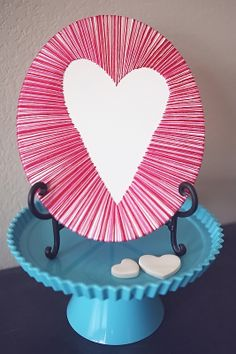 Canvas art.  Wow, what a great idea!  You could do so many cool things with this.  Easter eggs, shamrocks, Christmas trees...eighteen25: canvas heart art