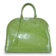 923825af388 LOUIS VUITTON Vernis Alma MM in Vert Tonic. Gucci Handbags, Tote Handbags,  Fashion