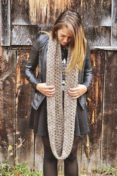 Foulard Infini beige Beige infinity scarf par echarpesetbelles, 30$ Infinity, Vest, Beige, Jackets, Collection, Fashion, Scarf Head, Fall, Taupe