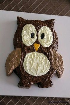 How to make an owlshaped cake out of two round cakes I LOVE owls