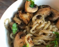 Ramp up your healthy meal planning with smart recipes from Miracle Noodle, including shirataki noodle recipes that will help you eat better without sacrifice. Healthy Noodle Recipes, Rice Noodle Recipes, Clean Recipes, Pasta Recipes, Diet Recipes, Vegetarian Recipes, Miracle Noodle Recipes, Miracle Noodles, Angel Hair