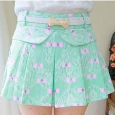 Bow pattern lace skirt
