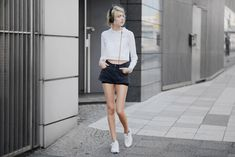 EBBA ZINGMARK : Mind the Mustard top | Dr Denim shorts | Nike sneakers | Urbanears headphones