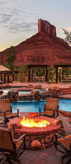 Poolside fire pit in #Colorado? Yes please.