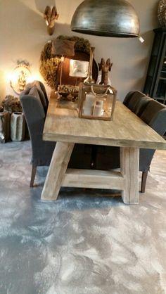 Zware grenen tafel 220 x 100 cm voor maar  € 650,00 bij MT-Sfeeridee!