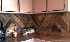 7 Stunning Pallet Wall Designs || Diagonal backsplash