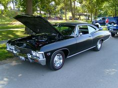 1967 Chevrolet Impala SS 427 Sport Coupe        427-cid 385-hp Turbo-Fire V-8. My favorite year!