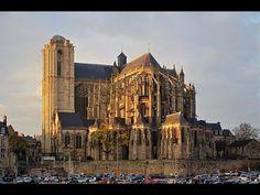 Places to see in ( Le Mans - France ) Cathedrale de Saint Julien de Mans #instatraveling #travelingourplanet #travelingtheworld #lovetraveling #traveling #travel#worldtravel