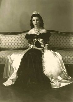 Princess Fawzia, the first wife of the Shah of Iran and a daughter of King Fuad I of Egypt, has died at the age of 92 (1921-2013), according to her nephew, King Fuad II, who was Egypt's last king before he was deposed in 1953, when Egypt was declared a republic.