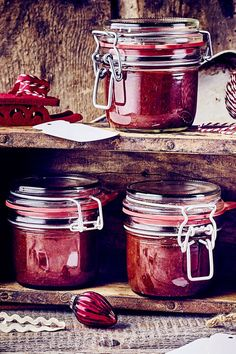 Plum jam Gingerbread - A Christmas jam that not only tastes good at Christmas – it& also a great gift for Christma - Winter Desserts, Desserts For A Crowd, Christmas Jam, Christmas Gingerbread, Smith Island Cake, Persimmon Pudding, Holiday Party Appetizers, Plum Jam, Vegetable Drinks
