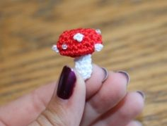 Teeny Tiny Mushroom Amigurumi  - Free Pattern Dutch and English version