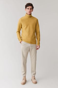 Latest Clothes For Men, Desert Boots, Timeless Design, Color Pop, Organic Cotton, Khaki Pants, Menswear, Cos, Street Style
