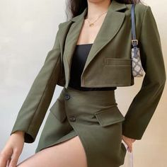 Suit Fashion, Teen Fashion Outfits, Classy Outfits, Look Fashion, Pretty Outfits, Chic Outfits, Korean Fashion, Jugend Mode Outfits, Retro Shorts