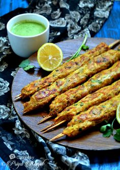 Cooks Wisdom Tip 1 Seekh Kebab Recipes, Keema Recipes, Mince Recipes, Curry Recipes, Vegetarian Recipes, Arabic Chicken Recipes, Chicken Starter Recipes, Easy Chicken Recipes, Minced Chicken Kebab Recipe