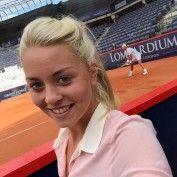 carina-witthoeft-rafael-nadal-hamburg-clay-tournament-smile-selfie