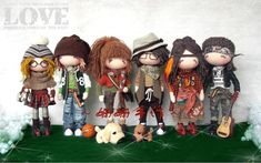free doll pattern and lot of photos of examples as to how diverse it can be.
