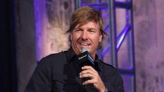 """In the latest episode of """"Fixer Upper,"""" Chip and Joanna Gaines enter one of the gnarliest time warps we've ever seen: a home stuck in the '80s."""