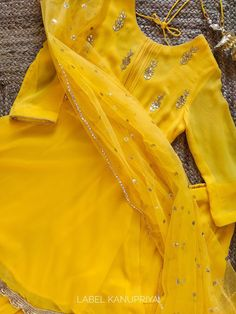 Indian Dress Up, Indian Fashion Dresses, Indian Outfits, Fashion Outfits, Pakistani Dresses Casual, Pakistani Dress Design, Pakistani Bridal, Stylish Dresses For Girls, Stylish Dress Designs