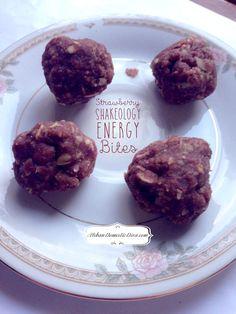 The Urban Domestic Diva: RECIPE: Strawberry Shakeology Energy Bites