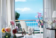 The terrace off the master bedroom offers an uninterrupted view of the ocean. Source: Courtesy of Oprah.com