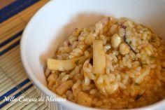 Il risotto con le seppie è un ottimo primo piatto, servitelo ai vostri bambini che si abitueranno al sapore del pesce senza il rischio delle spine.