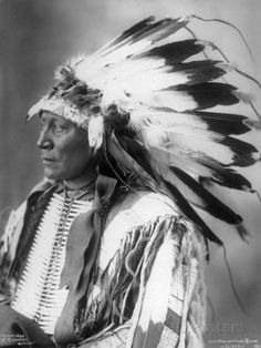 Photographs of American Indians : Chief Hollow Horn Bear - Sioux 1898 Native American Images, Native American Beauty, Native American Tribes, Native American History, American Artists, American Indians, Native Americans, Native Indian, Native Art