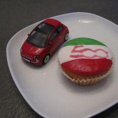 Fiat 500 Cupcakes! #fiat #cupcakes Courtesy of http://www.facebook.com/fiat500