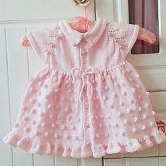 Hayırlı sabahlar...Prenseslere çok yakışan elbise modelimiz..  #knittedbeanie#knitlove#knitting_inspiration#knittinglove#knitting#kinitting#knitting#crochet#crochetlove#iloveknitting#handicraft#nako#alize#kartopu#elörgü#bebekelbise#örgüelbise#bebekkıyafetleri#bebekhediye#bebekhazırlıkları#hamileanneler#kızbebek#babyssleeping#babybooties#örgübattaniye#bebekbattaniye#sevgiyleörüyorum#örgüaşkı#örgüfikirleri