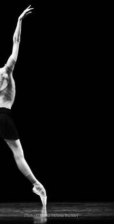 Svetlana Zakharova / Bolshoi Ballet  (Photography: Maria-Helena Buckley)
