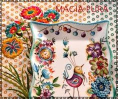 Resultado de imagen para diseños de magia pura Pottery Painting, Ceramic Painting, Fabric Painting, Ceramic Art, Ceramic Plates, Decorative Plates, Dream Drawing, Bohemian Living, Painted Pots