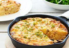Salmon and Potato Frittata Salmon Recipes, Seafood Recipes, Cooking Recipes, Healthy Recipes, Kiwi Recipes, Healthy Food, Egg Recipes, Recipies, Salmon Frittata