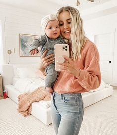 Aspyn And Parker, Luca And Grae, Aspyn Ovard, Family Goals, Baby Fever, Poses, Cute Babies, Movie Tv, Baby Boy