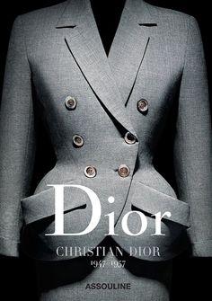 Der erste Band: Dior by Christian Dior Dior Vintage, Vintage Mode, Moda Vintage, Vintage Hats, Dior Fashion, 1950s Fashion, Fashion Books, Vintage Fashion, Womens Fashion