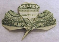 HOW TO - Fold a Shamrock from a Dollar Bill