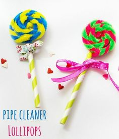 Pipe cleaner lollipops - These are super simple to make and are great for Candy Land or a Willy Wonka theme party, as Christmas ornaments & Girl Scout Swaps (school holiday crafts pipe cleaners) Candy Land Christmas, Christmas Crafts For Kids, Christmas Ornaments, Holiday Crafts, Kids Crafts, Craft Projects, Wonka Chocolate, Chocolate Factory, Anniversaire Candy Land