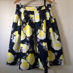 Dresses & Skirts - midi balloon skirt