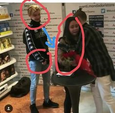 Eeee Martinus? 😂😂😂 Marcus Y Martinus, You Are My Life, Cute Twins, Teen Boys, Really Funny, Cute Guys, New Music, Funny Memes, Singer