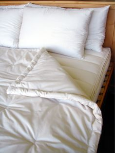 Holy Lamb Organics presents our all wool & organic cotton comforters for your bed. Snuggle under temperature-regulating, chemical free eco wool & organic cotton. Down Comforter, Duvet Bedding, King Comforter, Comforter Sets, Cool Comforters, Natural Bedding, Luxury Bedding, Bed Sheets, Massage