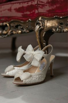 Beach Wedding lace Shoes , Vintage Wedding Shoes www.loveitsomuch.com