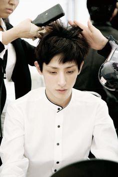 lee soo hyuk - that shirt..