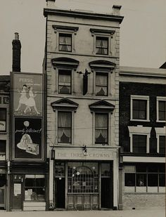 The Three Crowns, 237 Mile End Rd, (Opened before renamed 'L'Oasis' in closed in 2010 and now an Italian restaurant) Old London, East End London, London Pubs, London Street, London Life, Victorian London, Vintage London, Vintage Shops, British Pub