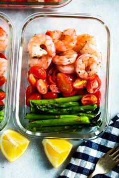 Be amazed how only 5 ingredients can make a delicious meal-prep for your whole week. This One-Sheet Pan Shrimp with Cherry Tomatoes and Asparagus (Meal-Prep) is fresh, healthy, low-carb, gluten-free, paleo and of course DELICIOUS!