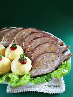 AranyTepsi: Sonkás töltött dagadó Bacon, Pork, Tasty, Beef, Ethnic Recipes, Kale Stir Fry, Meat, Pork Chops, Pork Belly