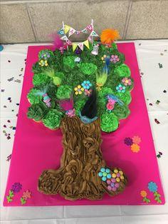 Trolls tree cupcake cake